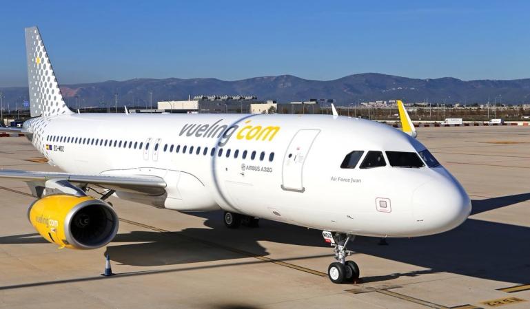 Un avión de Vueling aterriza en el Prat por amenaza de bomba