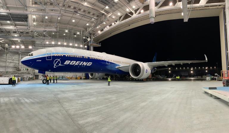 El Boeing 777X retrasa su primer vuelo