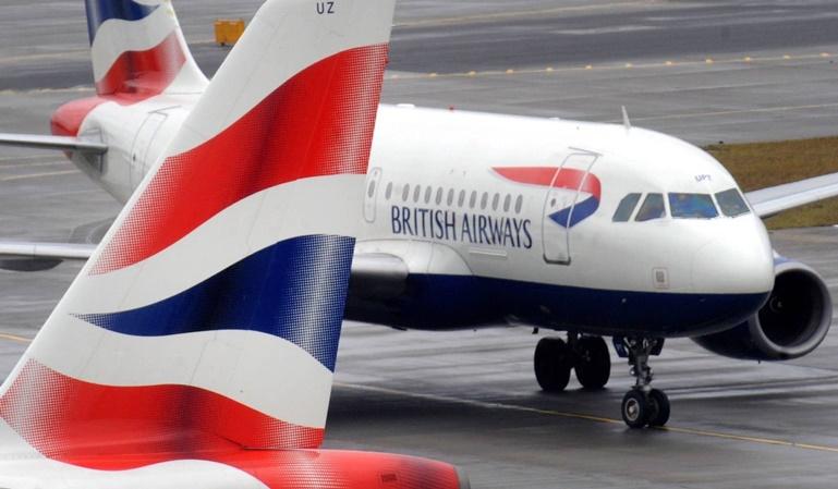 Un avión con humo ha sido evacuado en Valencia