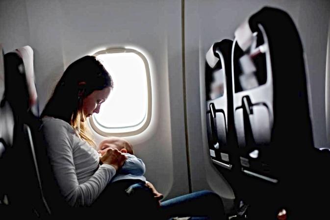 KLM y la política de lactancia materna a bordo