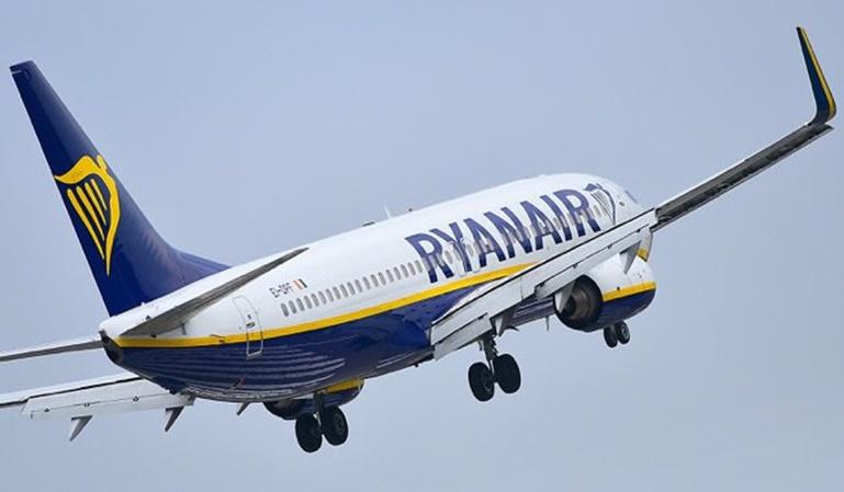 Ryanair podría cerrar cuatro bases en España