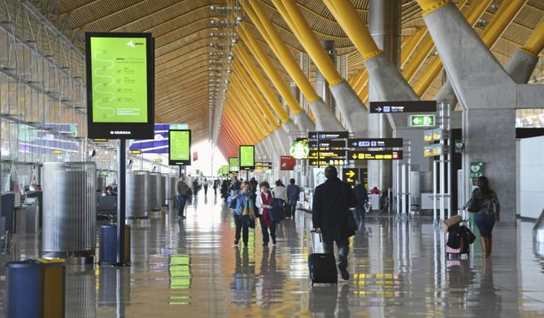 Por ahora el espacio aéreo español seguirá abierto