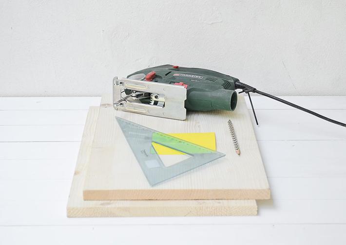 DIY - Wooden Magazine Rack
