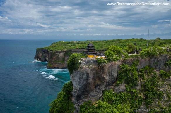 pura-tample-uluwatu-bali-recommended-destinations