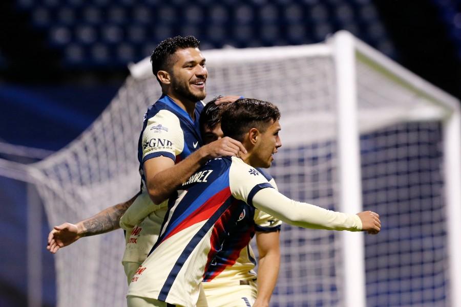 Jugadores del América celebran gol vs Puebla