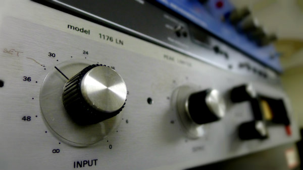 Do You Need An Outboard Compressor? - Recording Revolution