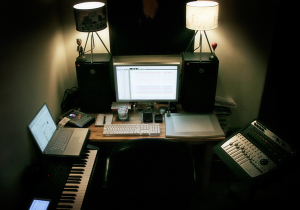 Simple Bedroom Recording Studio 3 tips for mixing in a bedroom, basement, or any not-so-good