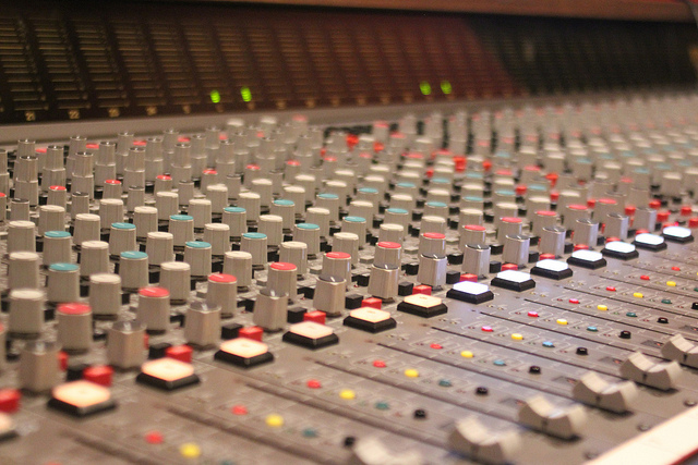 Get Instant Separation In Your Mix - Recording Revolution