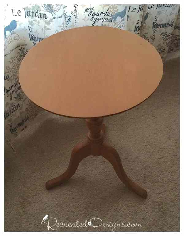 wood_round_table_before_painting