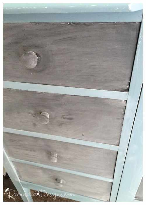 drawers painted with chalkboard paint after they have been seasoned