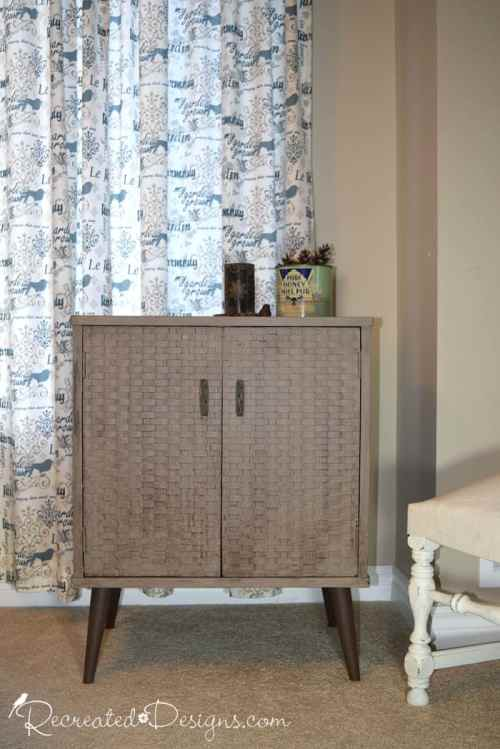 a little retro cabinet transformed with Country Chic Paint