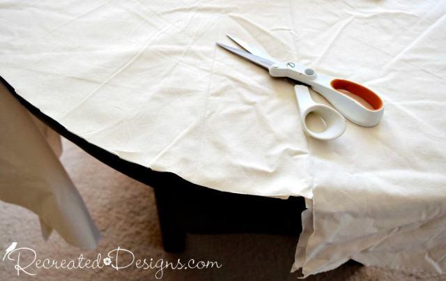 cutting Muslin to make a Christmas tree skirt
