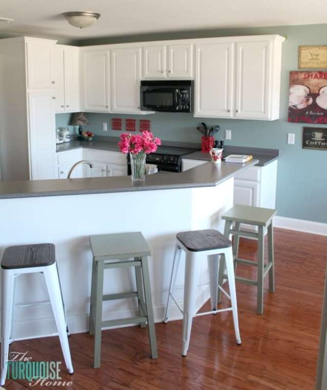 simply-white-painted-kitchen-cabinets-2