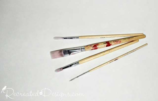 small artists brushes with wood handles