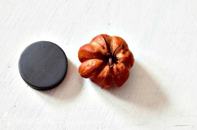 making a pumpkin magnet