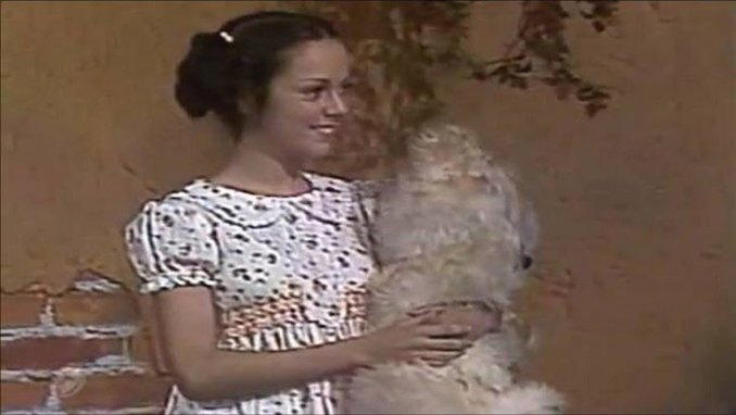 Paty - Ana Lilian con su oso de peluche