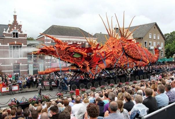 Gigantes esculturas florales - Un dragon