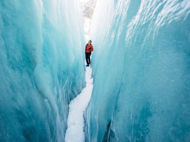 laberinto de hielo hombre en alaska