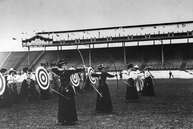 Mujeres en tiro de arco en las olimpiadas de 1908