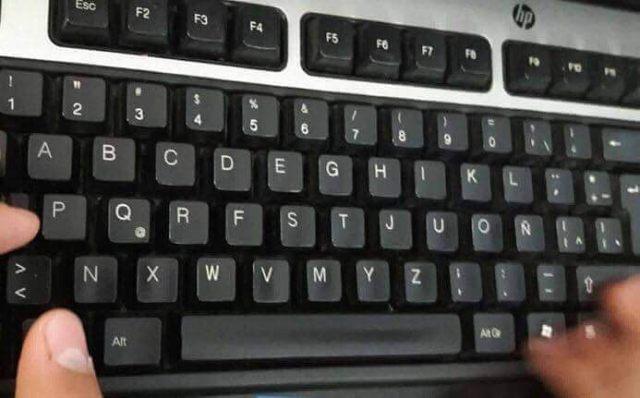 teclado todo mal
