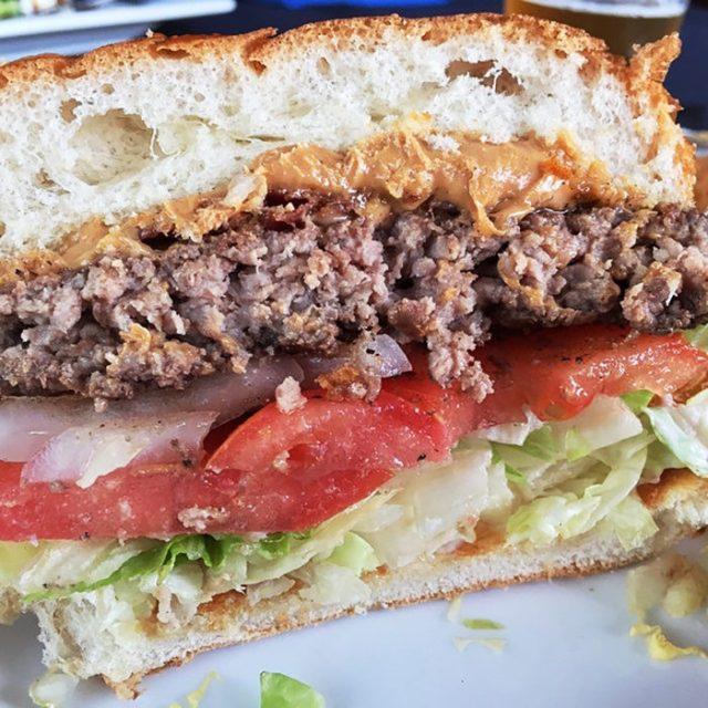 hamburguesa con mantequilla de maní