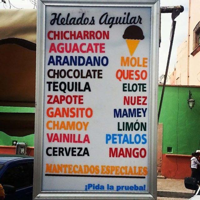 cartel de sabores ajenos de helado
