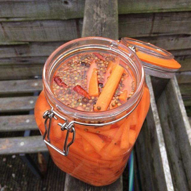 tarro con zanahorias