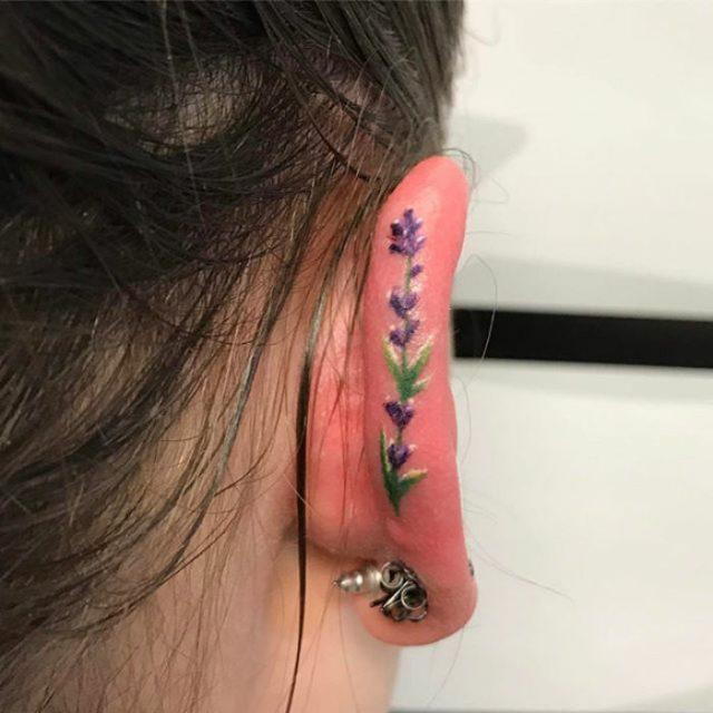 Tatuaje en el oido