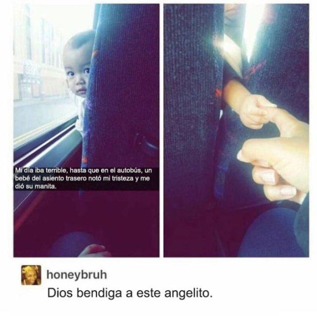 bebé mano autobús