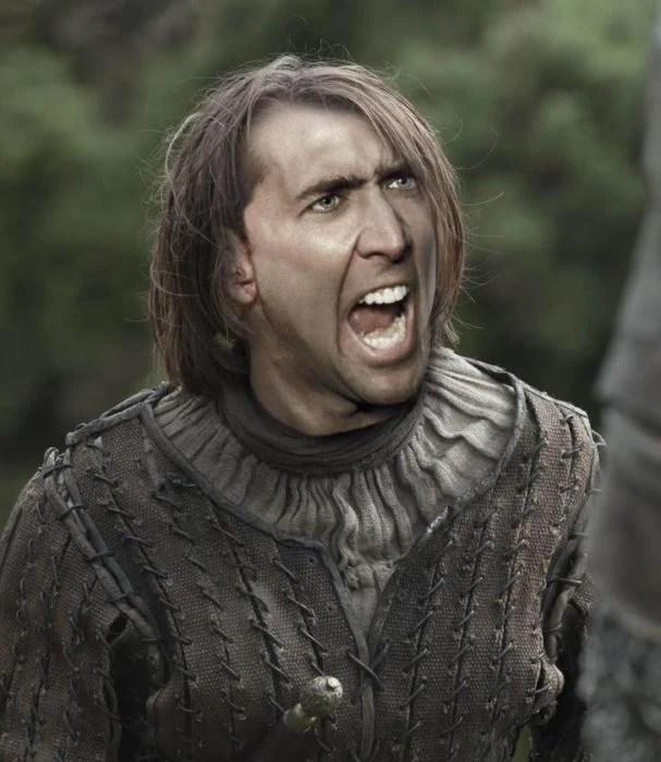 Arya Stark utilizando photoshop para colocar la hacia de Nicolas Cage