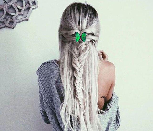 chica creativa mariposa verde