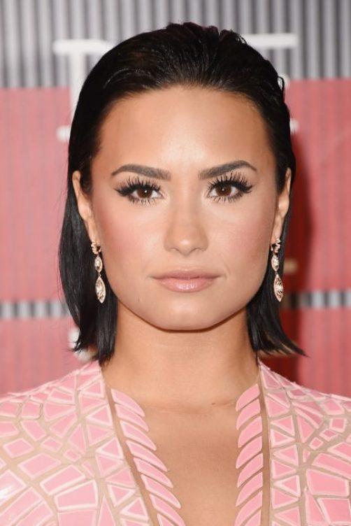 Demi Lovato preciosa sin maquillaje