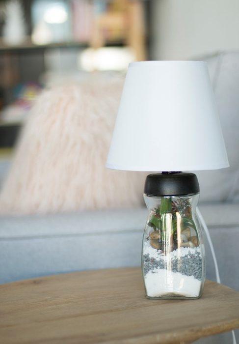 lampara de mesa para un terrario hecho en casa
