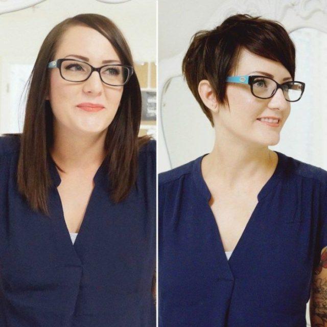 Mujer blusa azul pelo largometraje y después corto