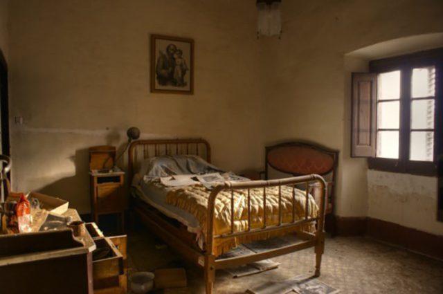 Casa de una monja abandonada e intacta a pesar del paso del tiempo