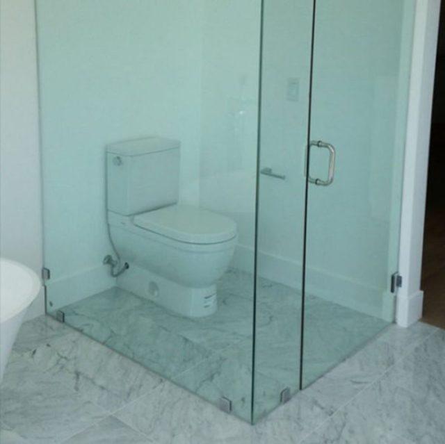 baño puerta de cristal fail