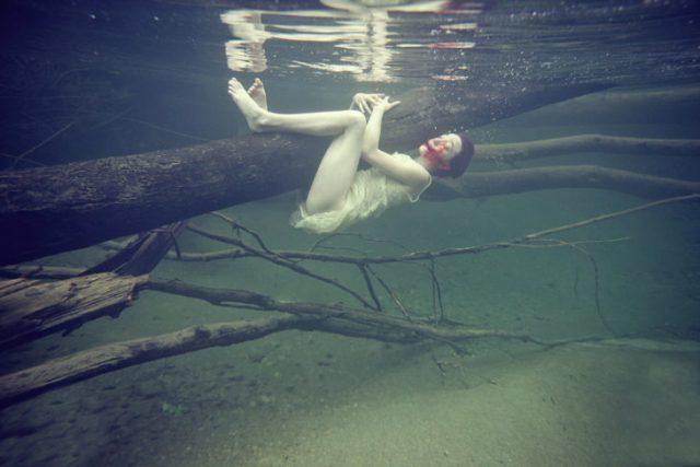 En a profundidad