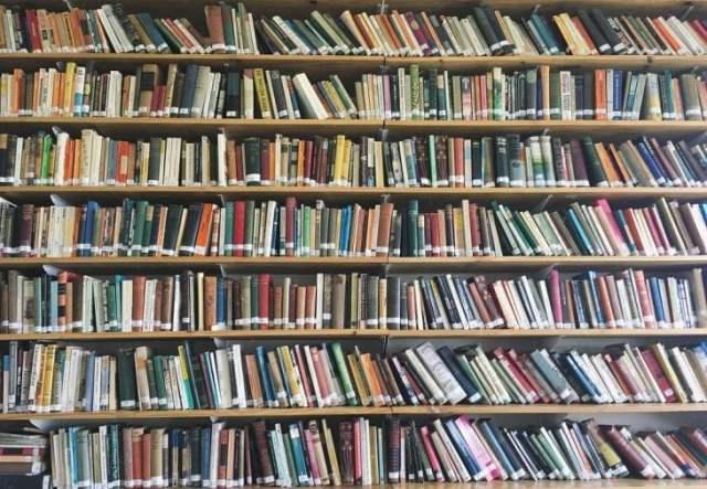 Librero inmensa desacomodado RecreoViral.com