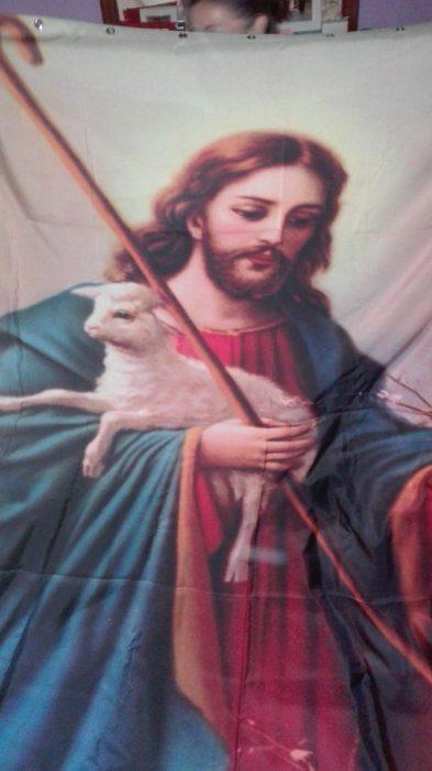 Jesús cortina baño