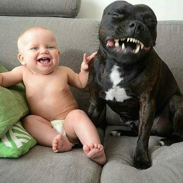 un par de sonrisas