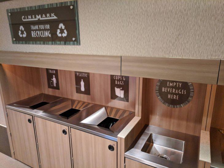 lavabo para verter bebidas en cine