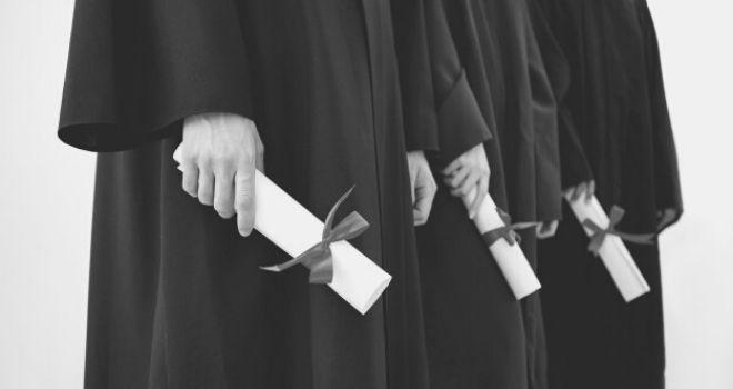 Cómo Comprobar Los Títulos Oficiales En España