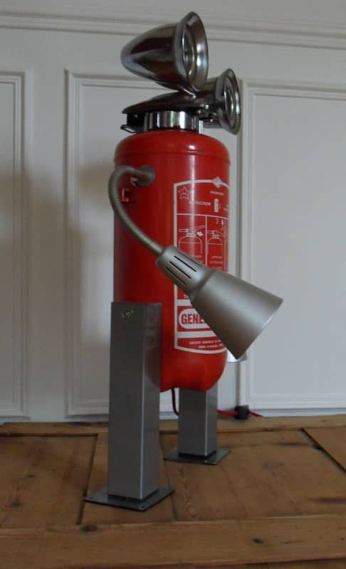 Robot Lamp Made With A Recycled Fire Extinguisher Recyclart