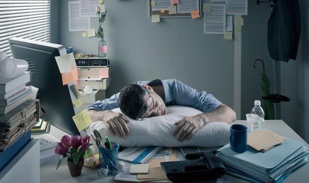 Los 'workaholics' son personas perfeccionistas que sacralizan su trabajo.