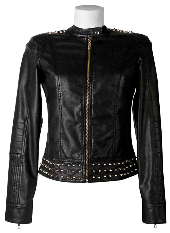 Bata biker jacket con borchie