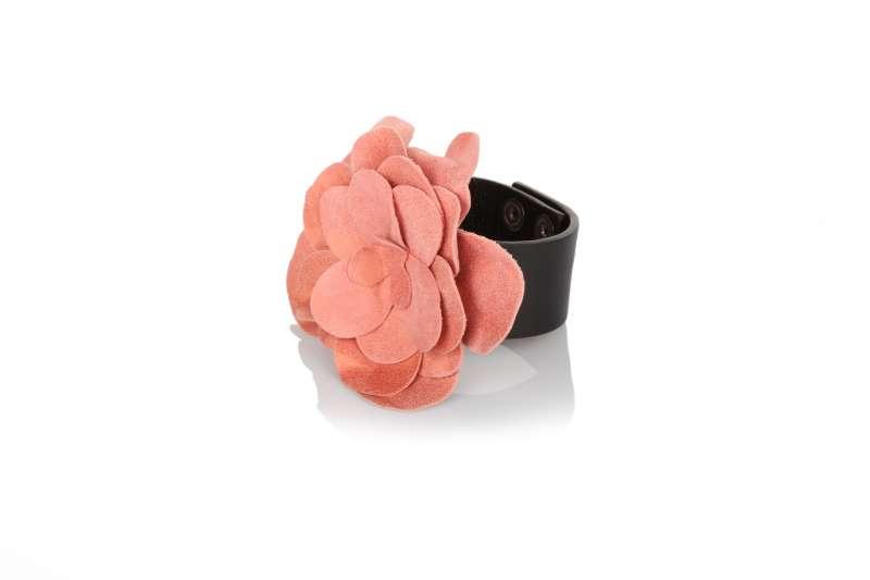 Nerocipria bracciale con fiore