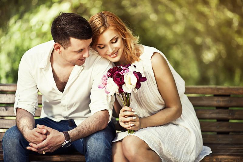 10 TIPS TO STAY WITH YOUR GIRLFRIEND FOREVER