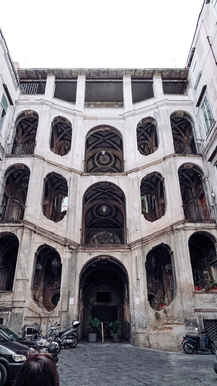 Palazzo San felice Napoli