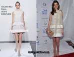 """Anne Hathaway In Valentino Couture - """"Love & Other Drugs"""" New York Premiere"""