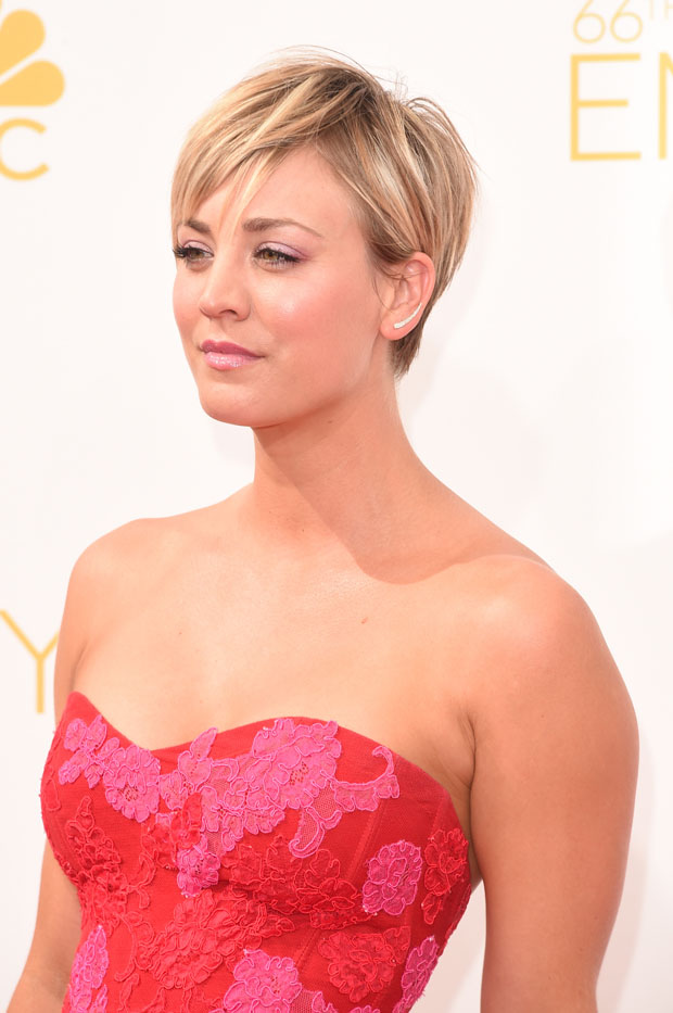 Kaley Cuoco 2014 Emmy Awards Red Carpet Fashion Awards